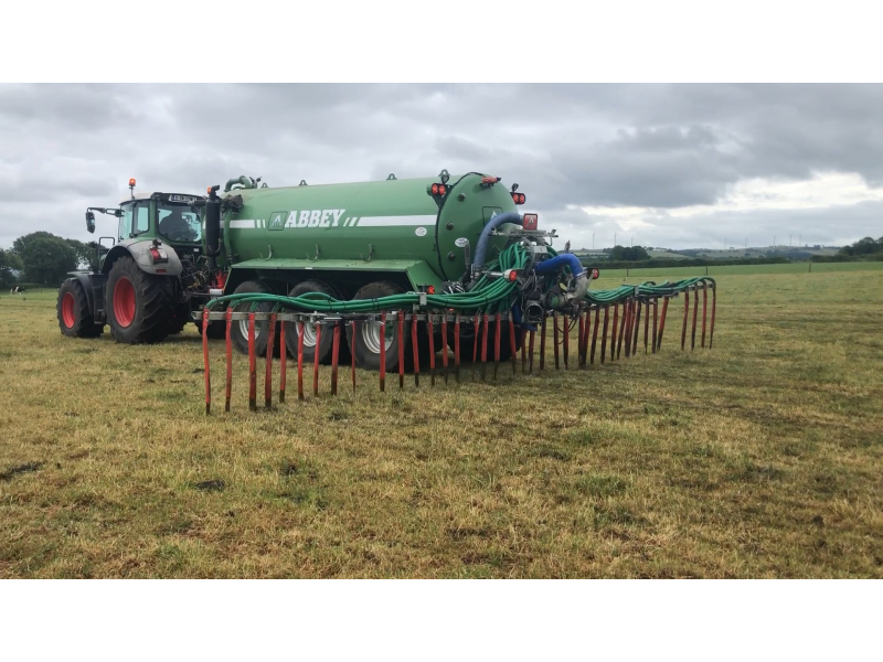 applying-slurry-down-the-field